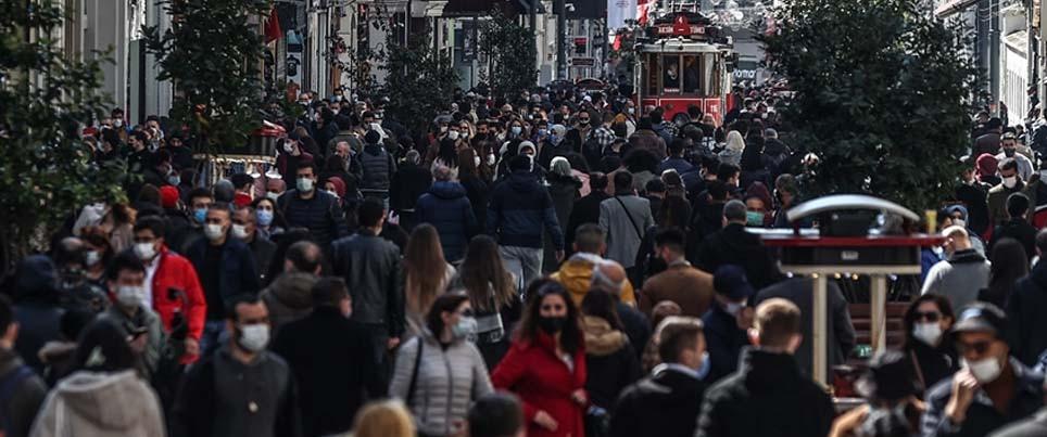 TÜRKİYE'DE POZİTİK VAKA SAYISI 40 BİN'İN ÜZERİNE ÇIKTI