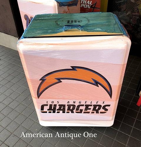 キャンプ・BBQで人気者^^ 新品 大型92cm NFL ロサンゼルス・チャージャーズ ライトビール アイスボックス キャスター付