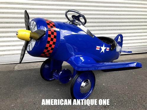 珍しい飛行機型!! なんと新品!! アメリカ海軍飛行機 ライド・オン ペダルカー USA直輸入