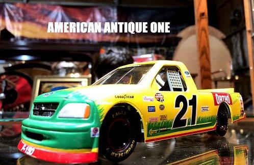 1996年 スタイリッシュなデザインがカッコいい^^ フォード ダイキャスト レーシング・チャンピオン USA直輸入