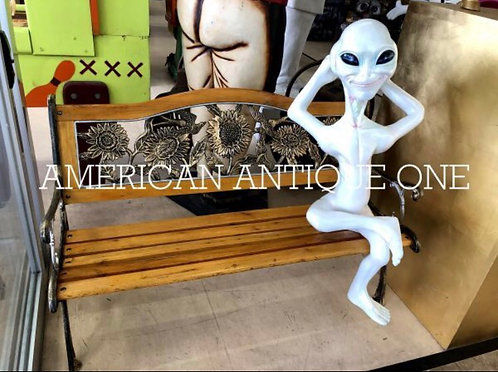 alien with bench