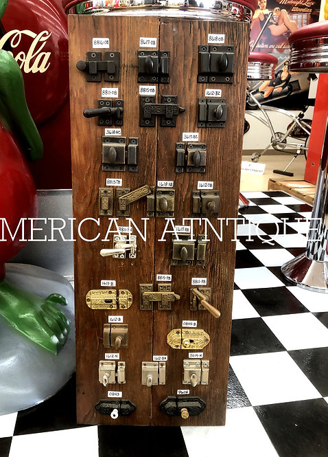 A wide variety of keys / display boards