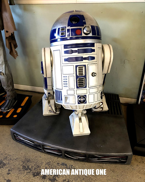 R2-D2 / StarWars LIFESIZE