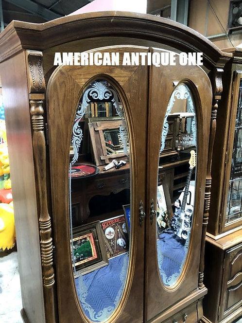 ミラー付だからいろいろ重宝できます^^ 大型198cm 収納力抜群◎ ショーケース 飾り棚 木製 アメリカン・ヴィンテージ