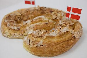 Kringle-Cake.jpg