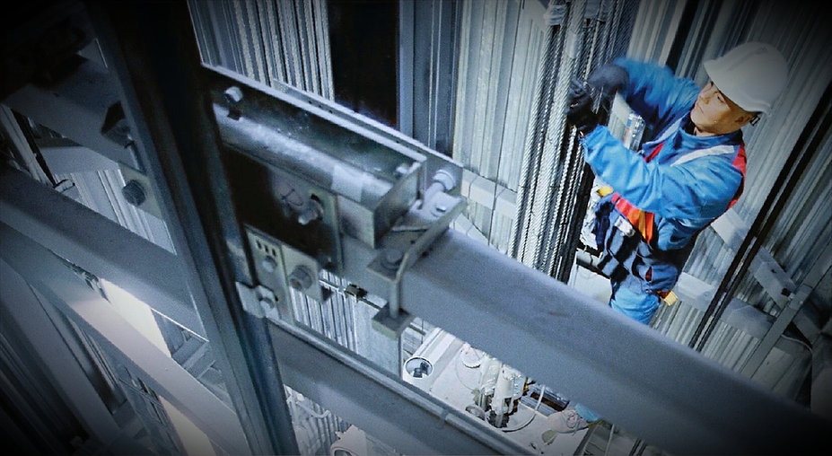 Elevator mechanic maintaining cable system for an elevator