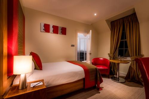 Glenmoriston Hotel