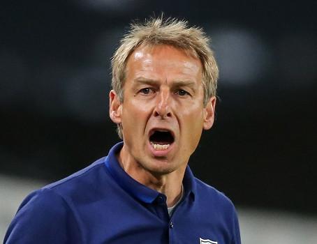 """Klinsmann: """"Millinin oyunçuları evdə oturmalıdırlar!"""""""