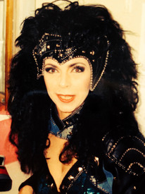 """Bild på mig innan showen """"Galanta Damer"""" på Bacci Wapen i Gamla stan, Stockholm."""