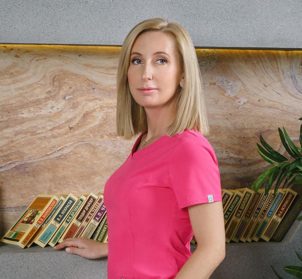 Врач дерматолог, трихолог, косметолог , к.м.н. Василенко Анна Александровна