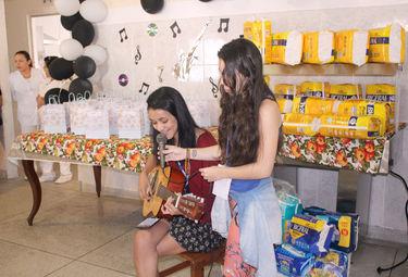 6bc22f28ee3e3 Funcionários de empresa de ônibus de Guarujá promovem um dia especial para  senhoras do Lar de Assistência Vicentina