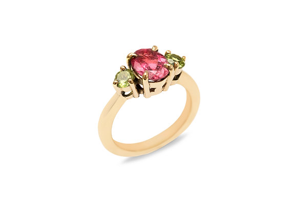 Pink Tourmaline and Peridot 9ct yellow gold ring