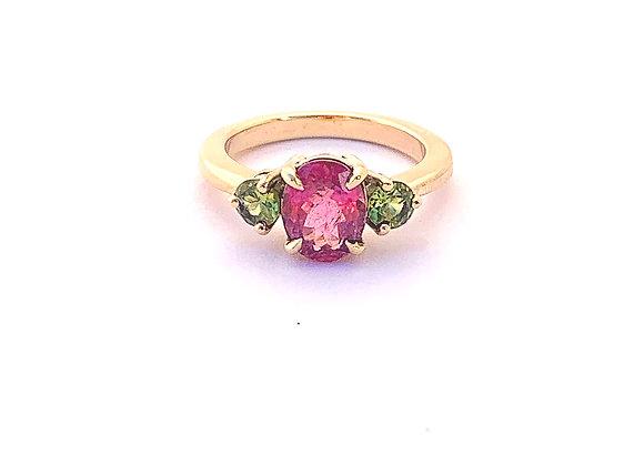 Pink Tourmaline and Peridot 9ct yellow gold ring