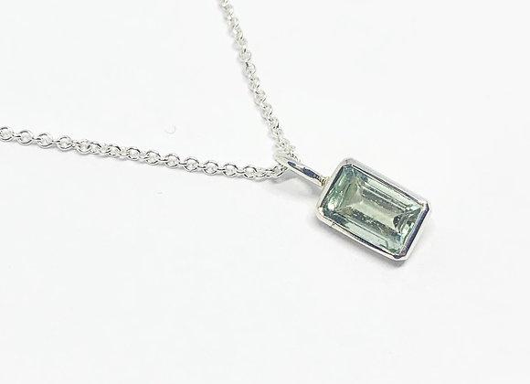Classic Aquamarine stacking pendant