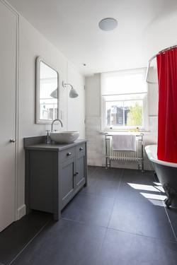 Primrose Hill - bathroom 01