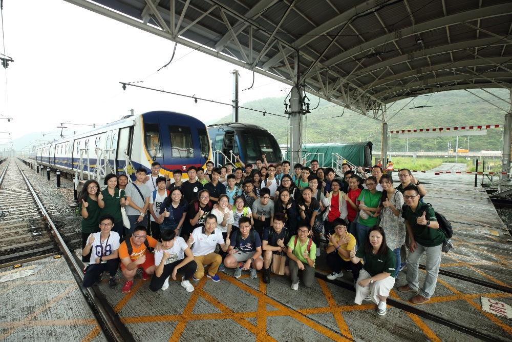 「STEM 創未來」概念展示日入圍隊伍參觀港鐵車廠