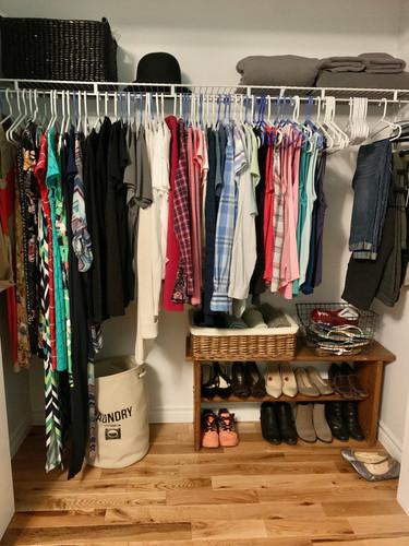Single closet