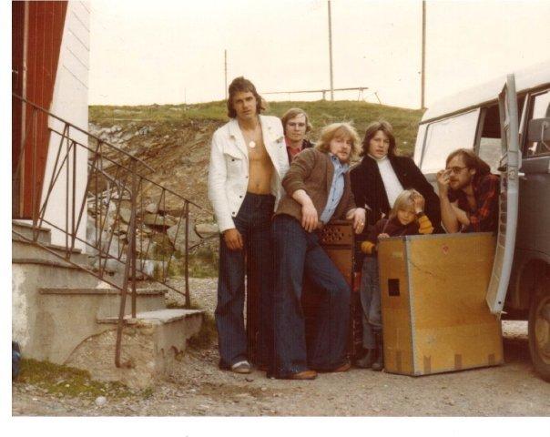 Bandet , uten Sveinung.
