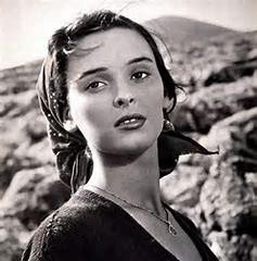 لوچیا بوزه، یکی از بزرگترین ستارگان سینمای اروپا کرونا گرفت و درگذشت