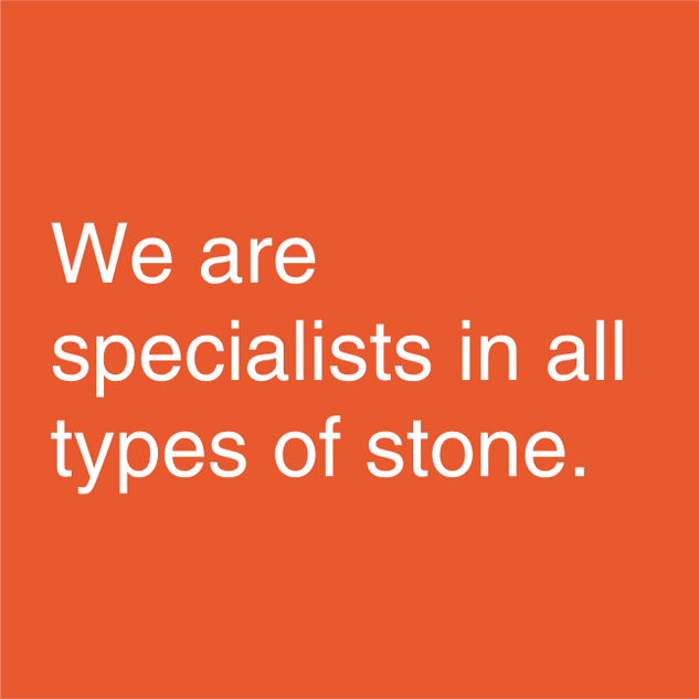We advise you on the format and type of stone to offer you the option that best suits your project, in terms of design and functionality. As for the process of placing the stone, we can proceed in a regular or casual way; irrespective of the type, of application with gasket or dry, and additionally, in corner format. If you are thinking of using the stone to coat your home you should know that natural stone is a material with great advantages: for its versatility when adapting to all types of surfaces; By the diversity of colors and structures in which it is presented; for its high resistance and durability in time; because it is a perfect thermal insulation of both the cold and the heat; and because it is a natural material that does not contain any kind of substance harmful to your health.