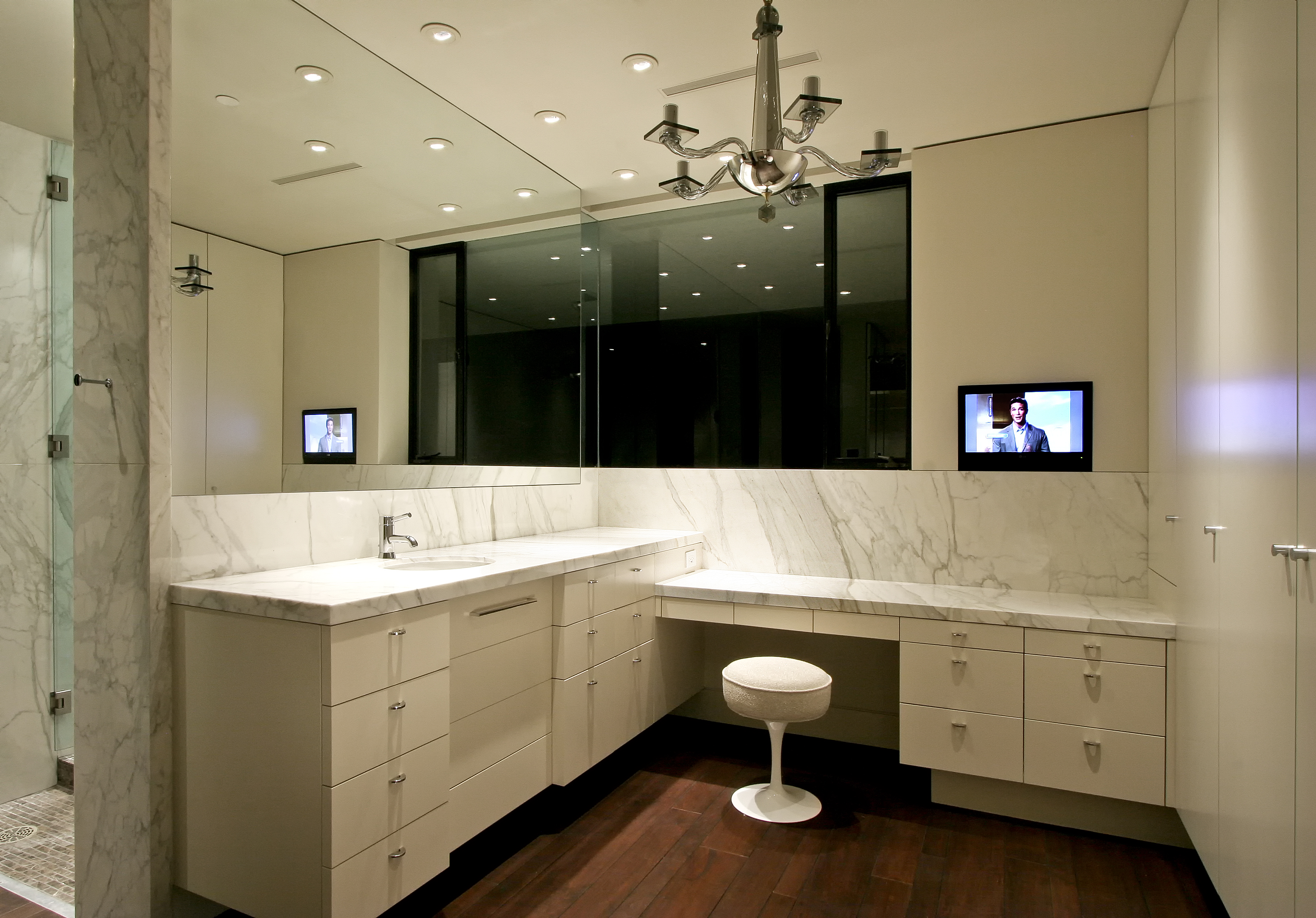 White Lacquer Vanity