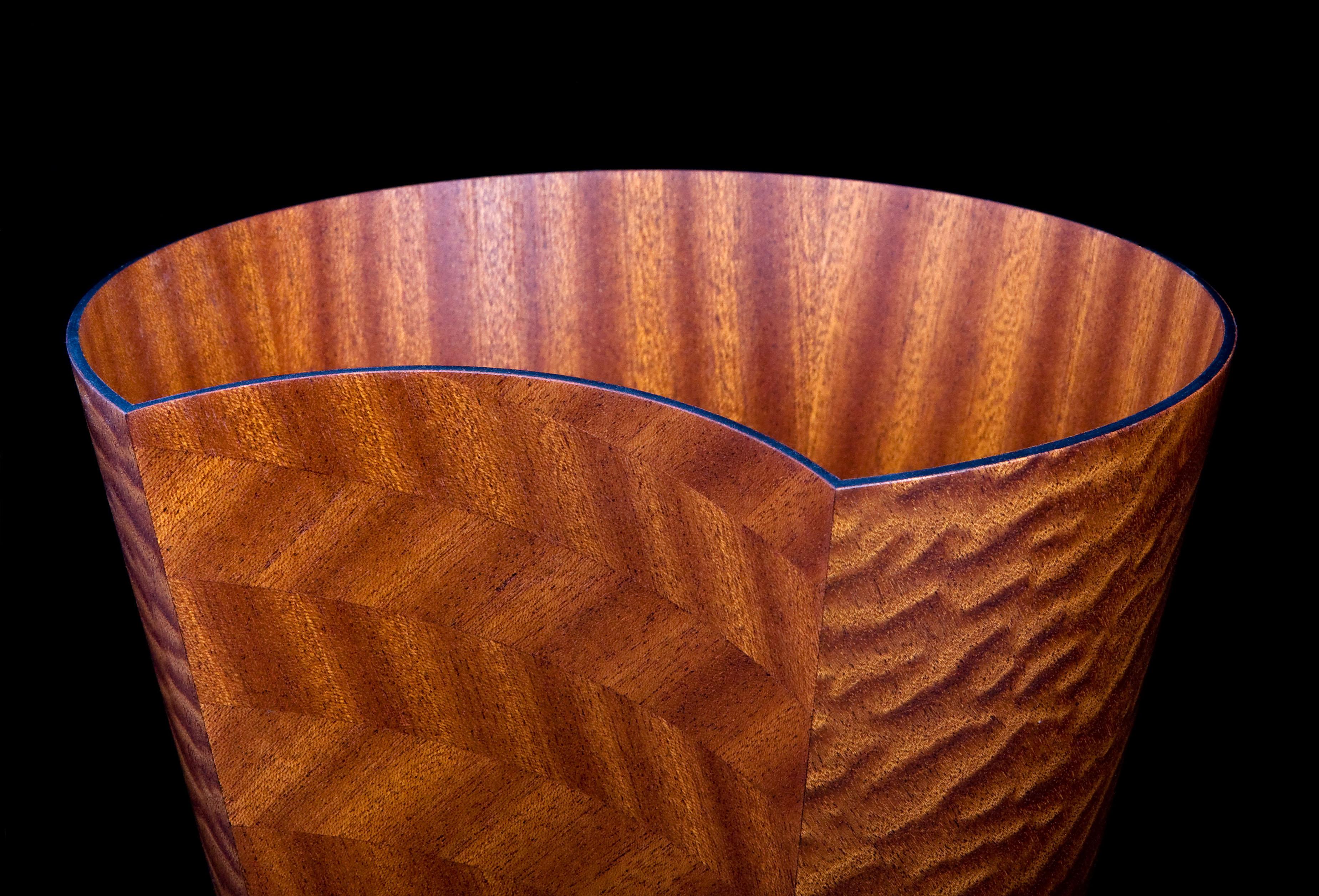 Veneer vessel detail
