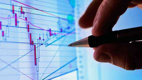 Using Market Data in Commercial Real Estate Investment Strategies