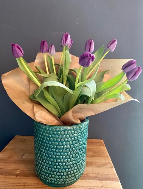 Tulip bunch in Dark Green pot