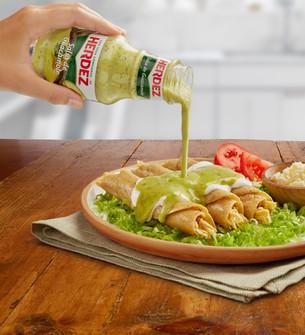 Tacos dorados salsa verde  herdez
