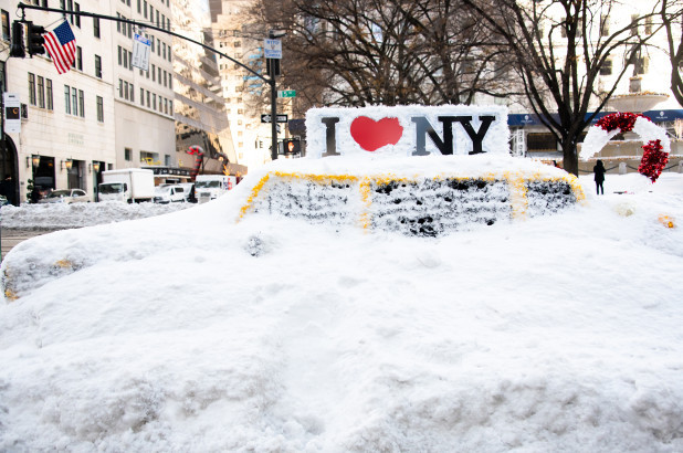 Powerful storm expected to hit NYC area with heavy snow, high winds