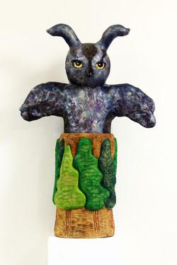 夏愛華《排山倒海而來》90x60x23cm,生漆、麻布、金箔、樟木,2016