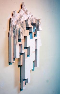 水谷篤司《Whiteout 2》68x33x18cm,杉、胡粉、日本畫顏料、壓克力|Fir,Gofun, Eastern Gouache,Acrylic,2016