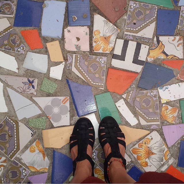 Born to roam 🙏 👣 💘 _#ihavethisthingwithfloors #positano #Amalficoast #italianfloors #mosaics #til