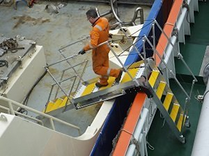 MGM Welding vessel to vessel (VTV) gangway in use