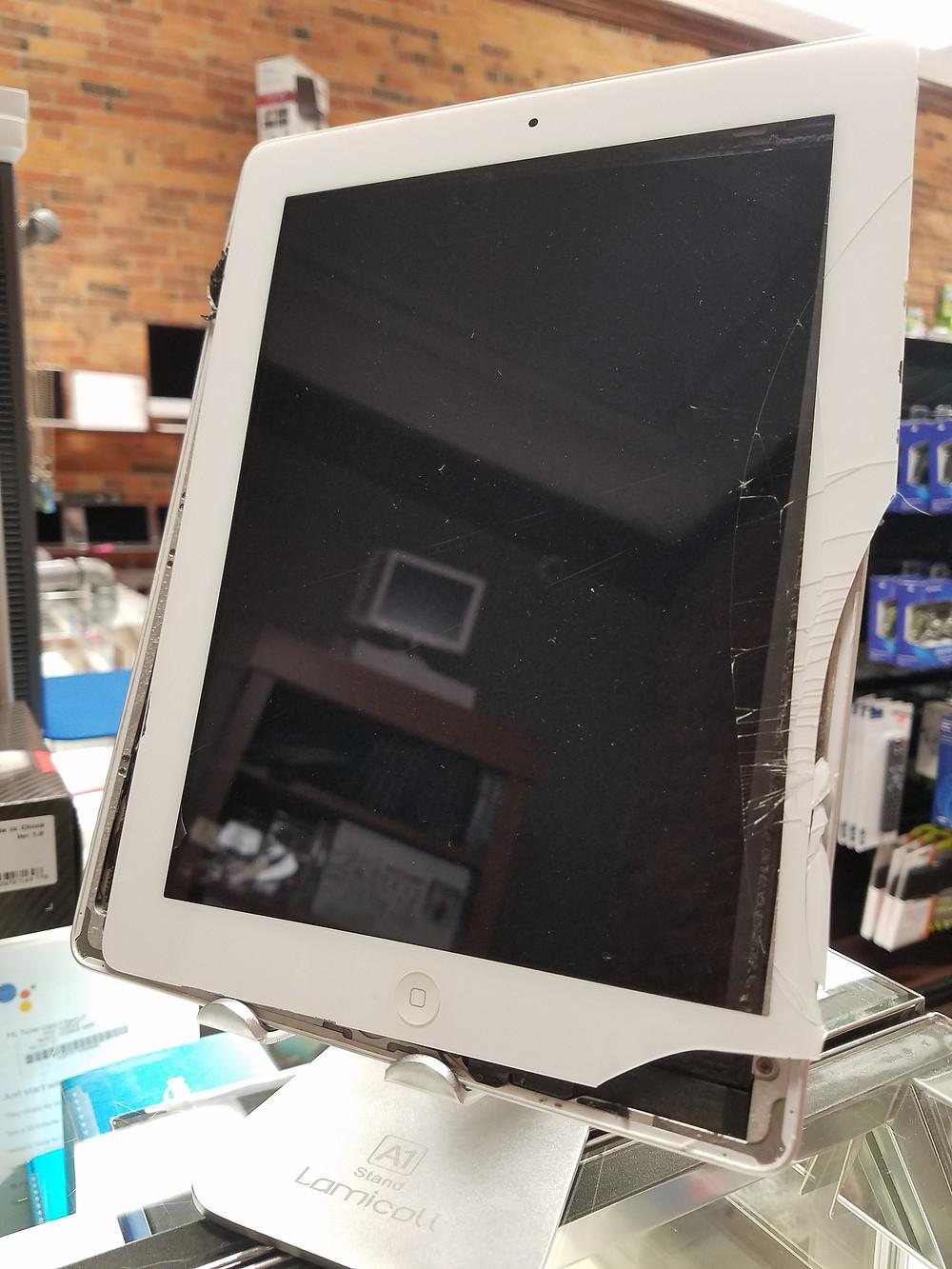 Broken screen on an iPad 2