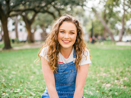Sydney Hendry | Senior Portraits | Downtown Mobile