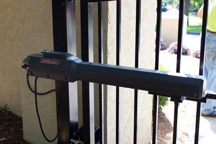 Swing Operator LiftMaster LA500- Secondary Arm