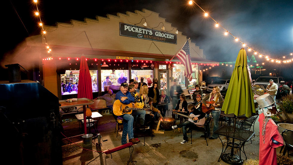 pucketts_grocery_restaurant_in_leipers_f