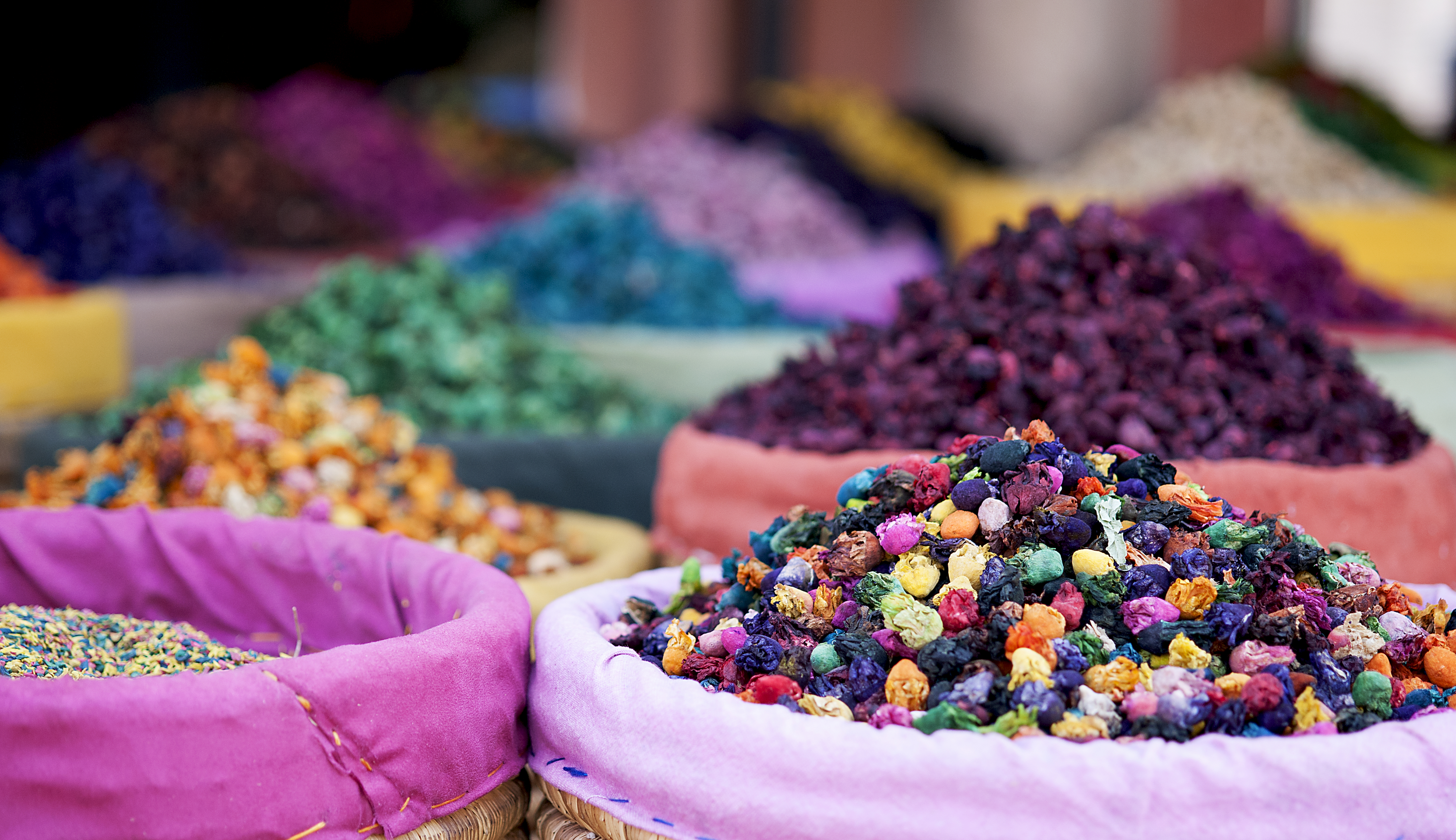 Flowers and dyes, Marrakesh