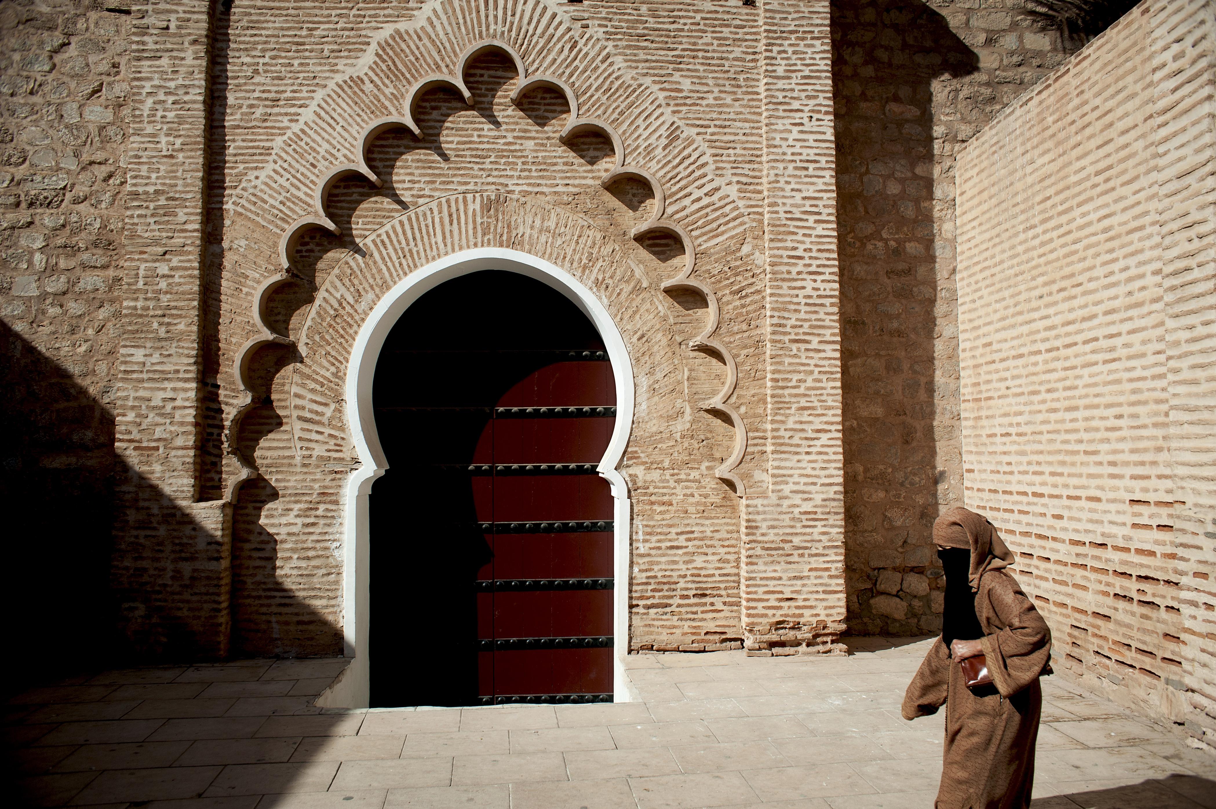 Woman in brown niqab
