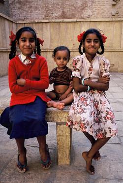 Sisters and little boy Jaisalmer VFinal