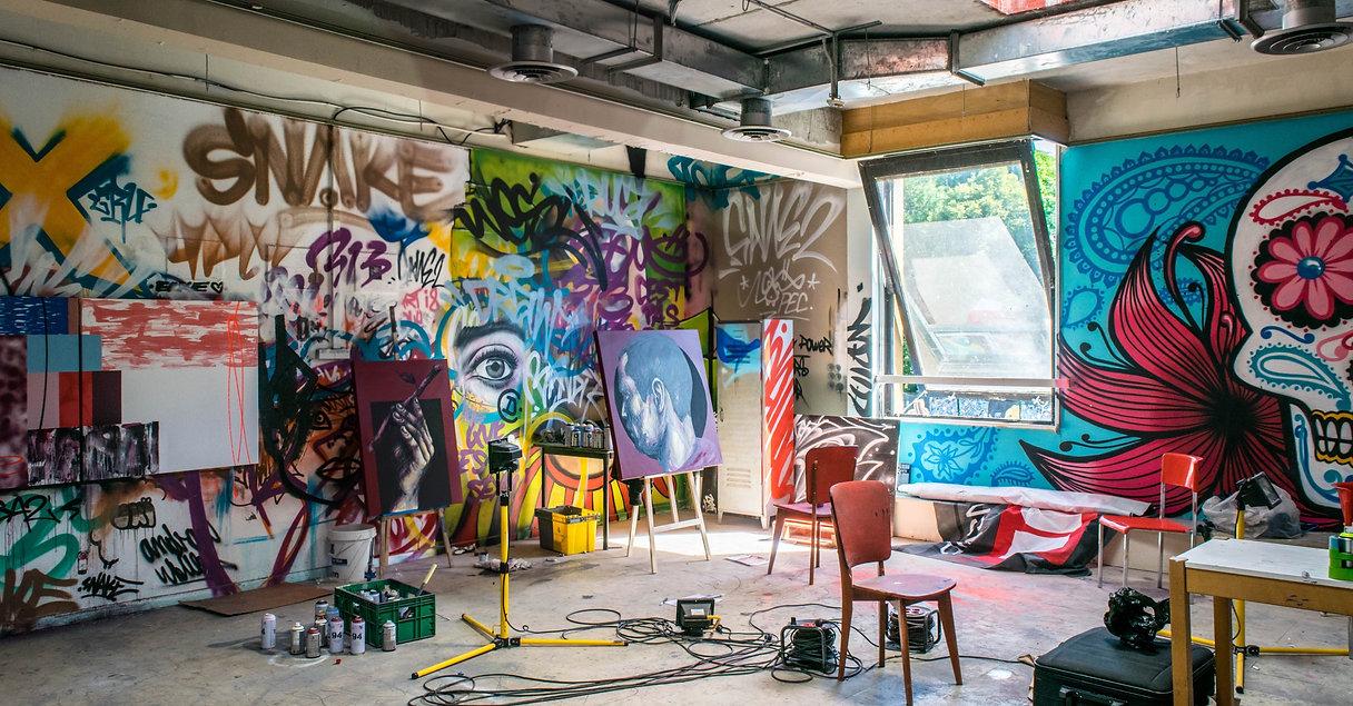 Graffiti%20Studio%20_edited.jpg