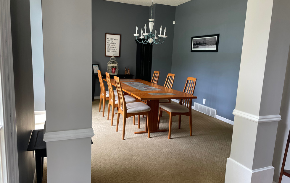Looking to Dining Room
