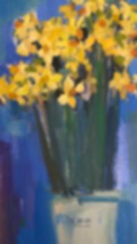 Rosie Copeland narcissi in white vase.jp