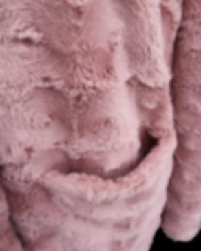 Detail 4 Mantel Rosa PNG.png