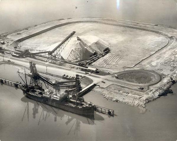 Leslie Salt Pile 1957.jpg
