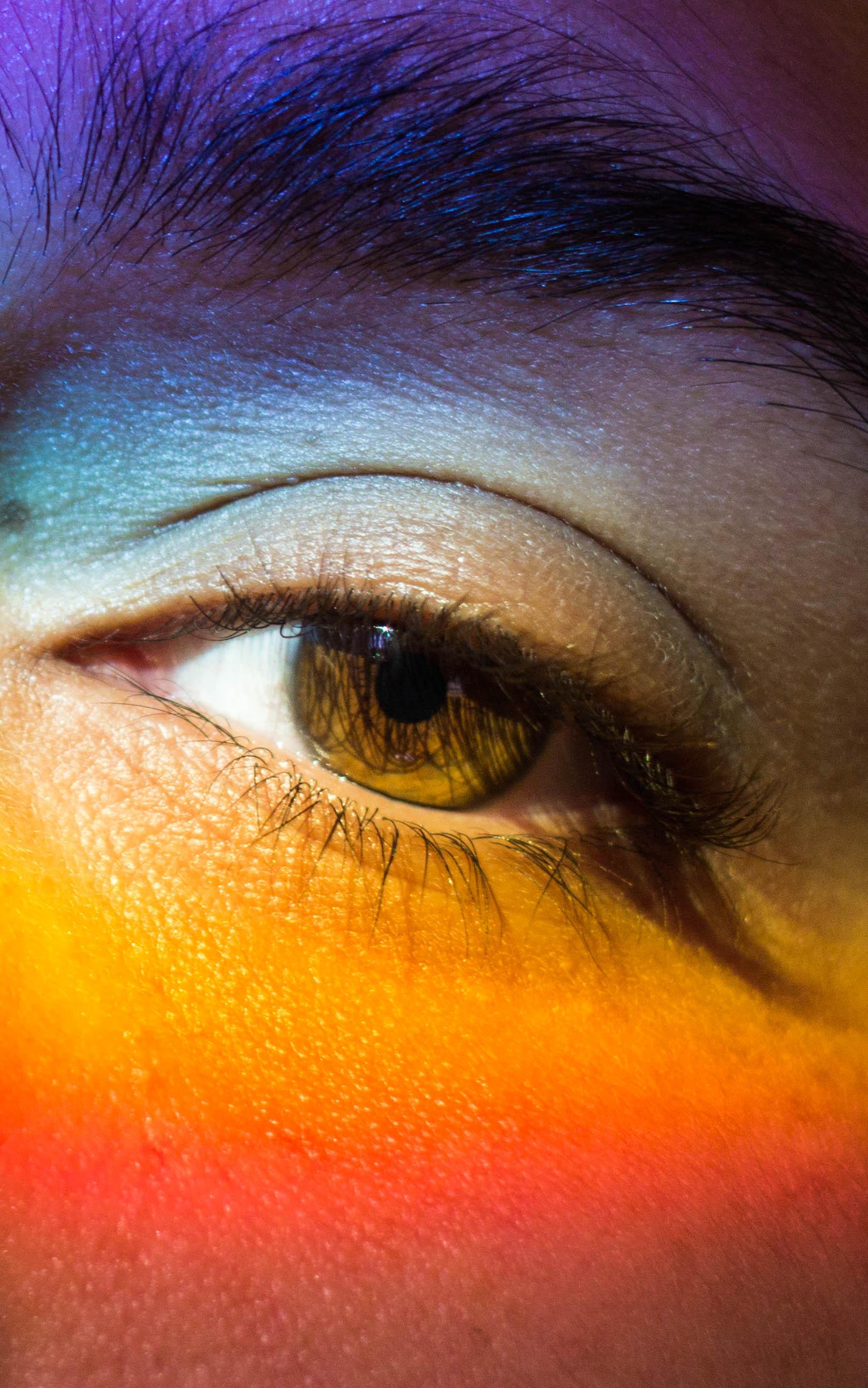 Light Spectrum Natural Makeup