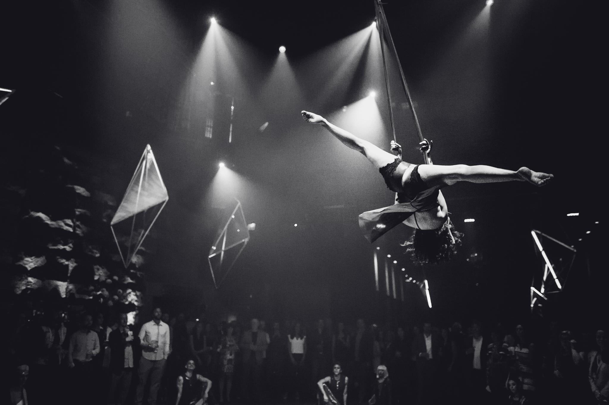 Photo © Cirque Éloize