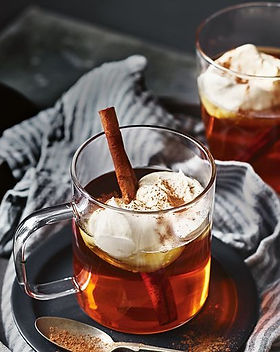caramel-and-apple-hot-toddy-with-cinnamo