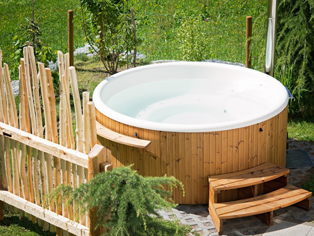Ahhh...5 Relaxing Hot Tub Ideas For You